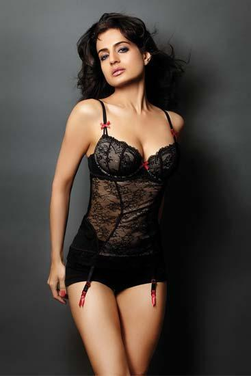 Spicy Babe Ameesha Patel Hot Pic For Maxim