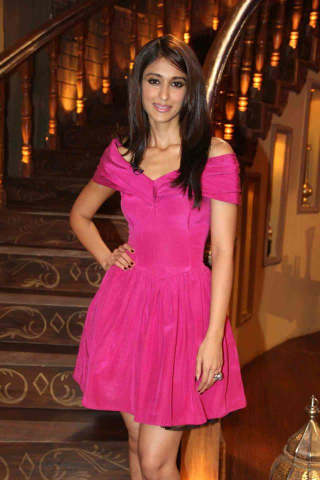 Ileana D'Cruz Looked A Toffy During Their Promotions On The Show Comedy Nights With Kapil