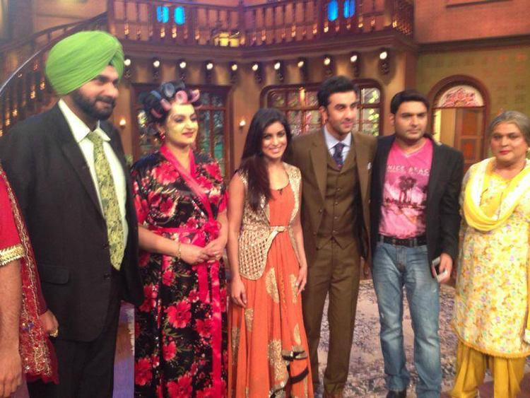 Navjot Sidhu,Upasana,Pallavi,Ranbir,Kapil And Ali Posed On The Sets Of Comedy Nights With Kapil During The Promotion Of Besharam
