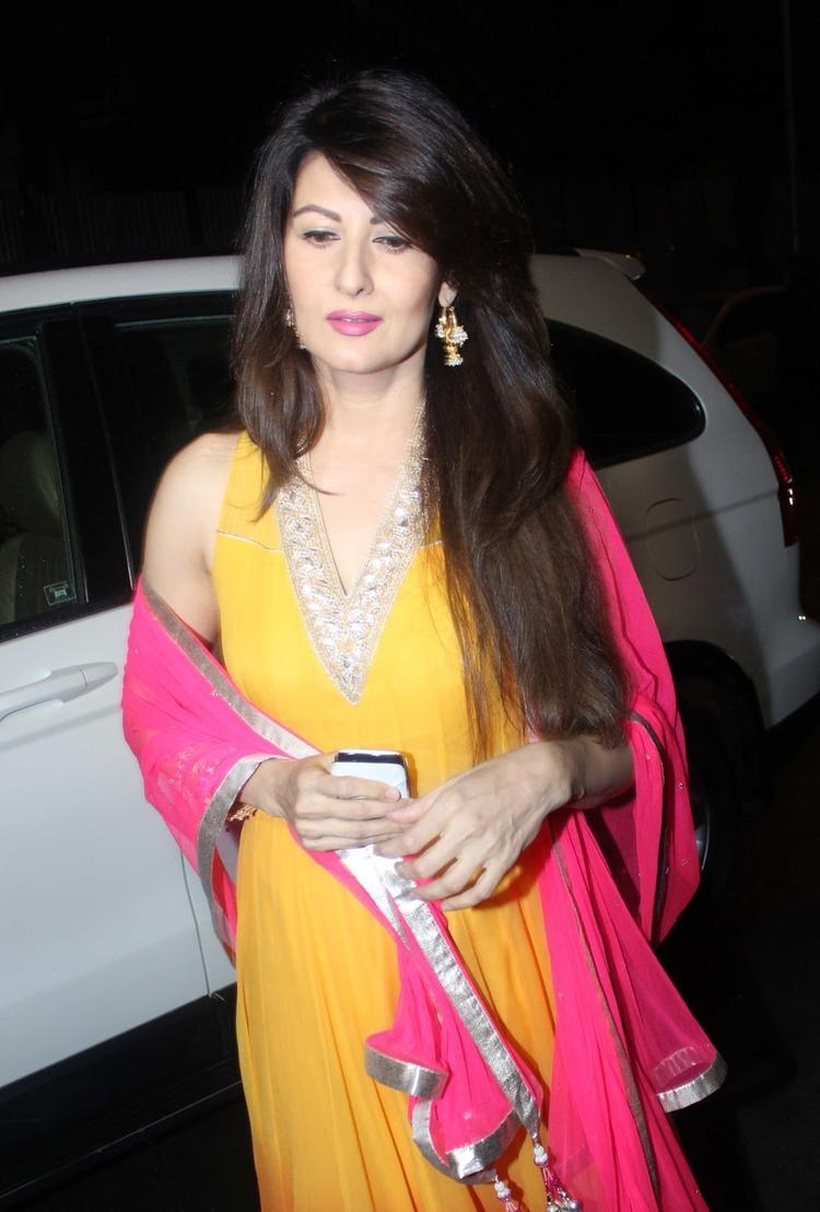 Sangeeta Bijlani Snapped At Salman Khan's Ganesh Visarjan