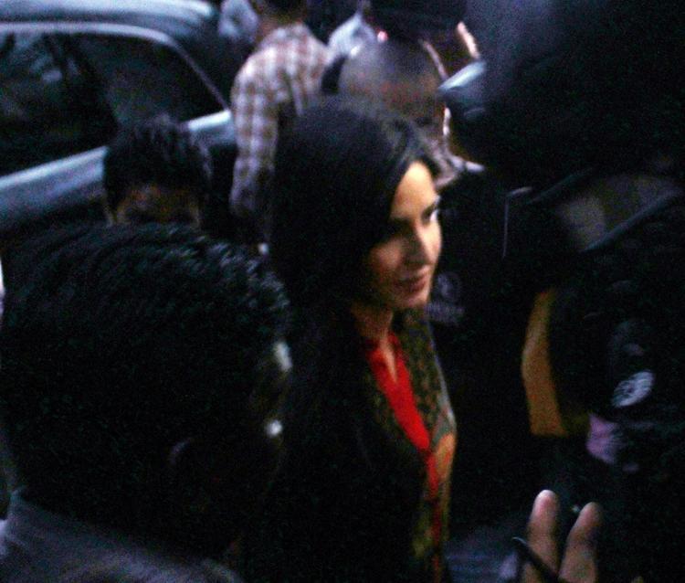 Hot Queen Katrina Kaif Attended Salman Khan's Ganesh Visarjan
