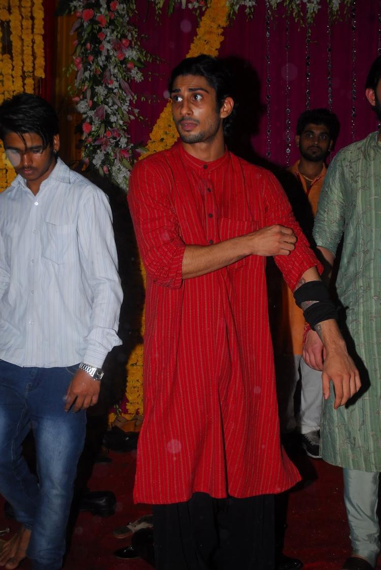 Prateik Babbar Attended Salman Khan's Ganesh Visarjan