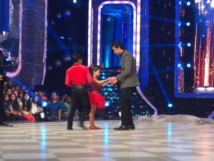 Hrithik Roshan Perform With Contestants At JDJ Season 6