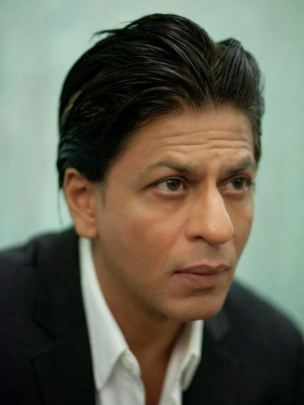 SRK Busy Look Pose Photo Shoot For The National In Dubai