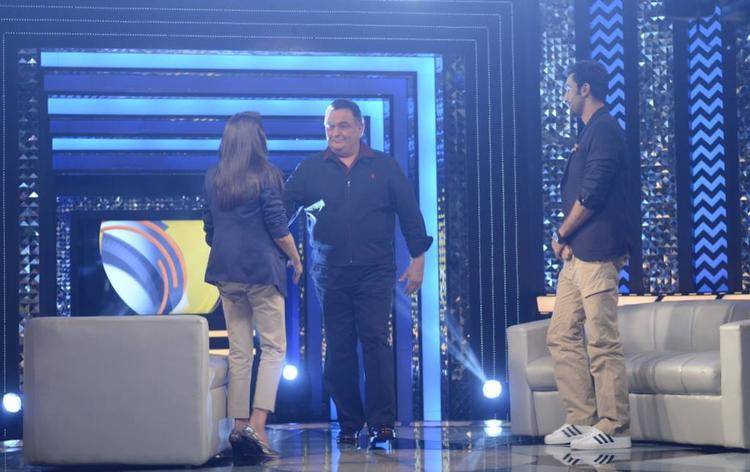 Rishi And Ranbir Welcomed By Anupama On The Sets Of The Front Row Show