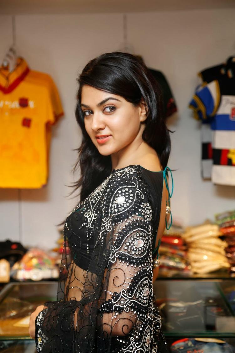 Sakshi Choudhary In Black Saree Hot Gorgeous Look During The Launch Of Kalamandir Store