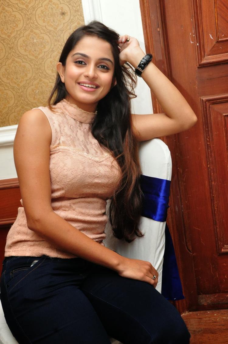 Sheena Shahabadi Smiling Look At Nuvve Naa Bangaram Movie Logo Launch Function