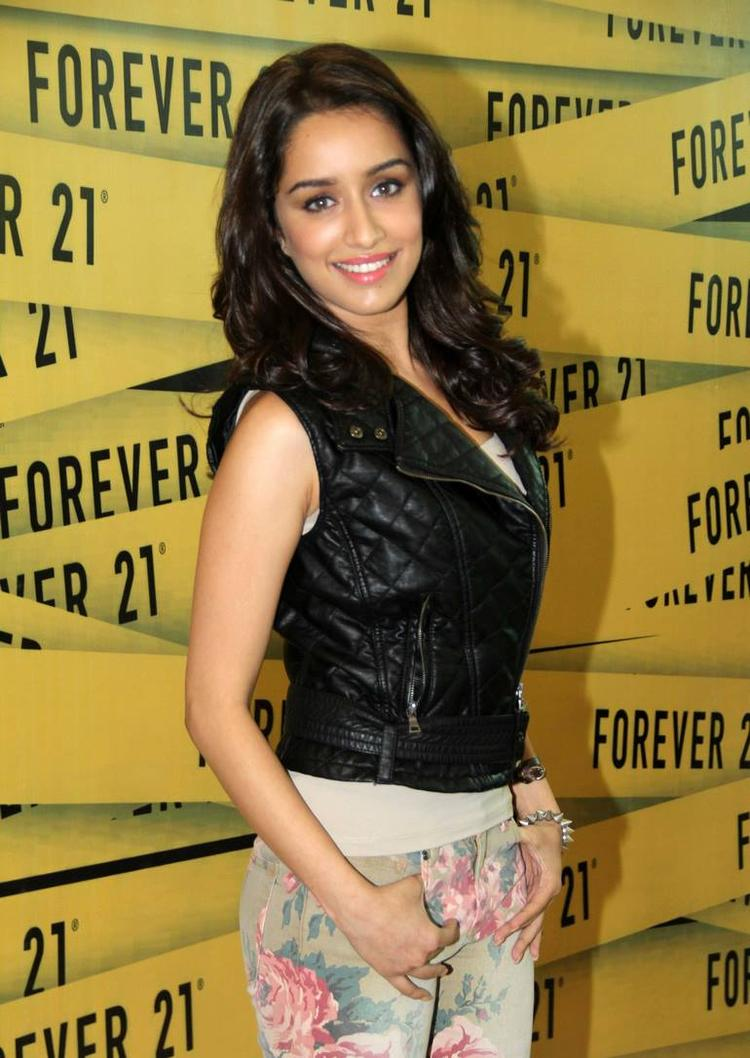 Shraddha Kapoor Spotted To Launch Forever 21 Store
