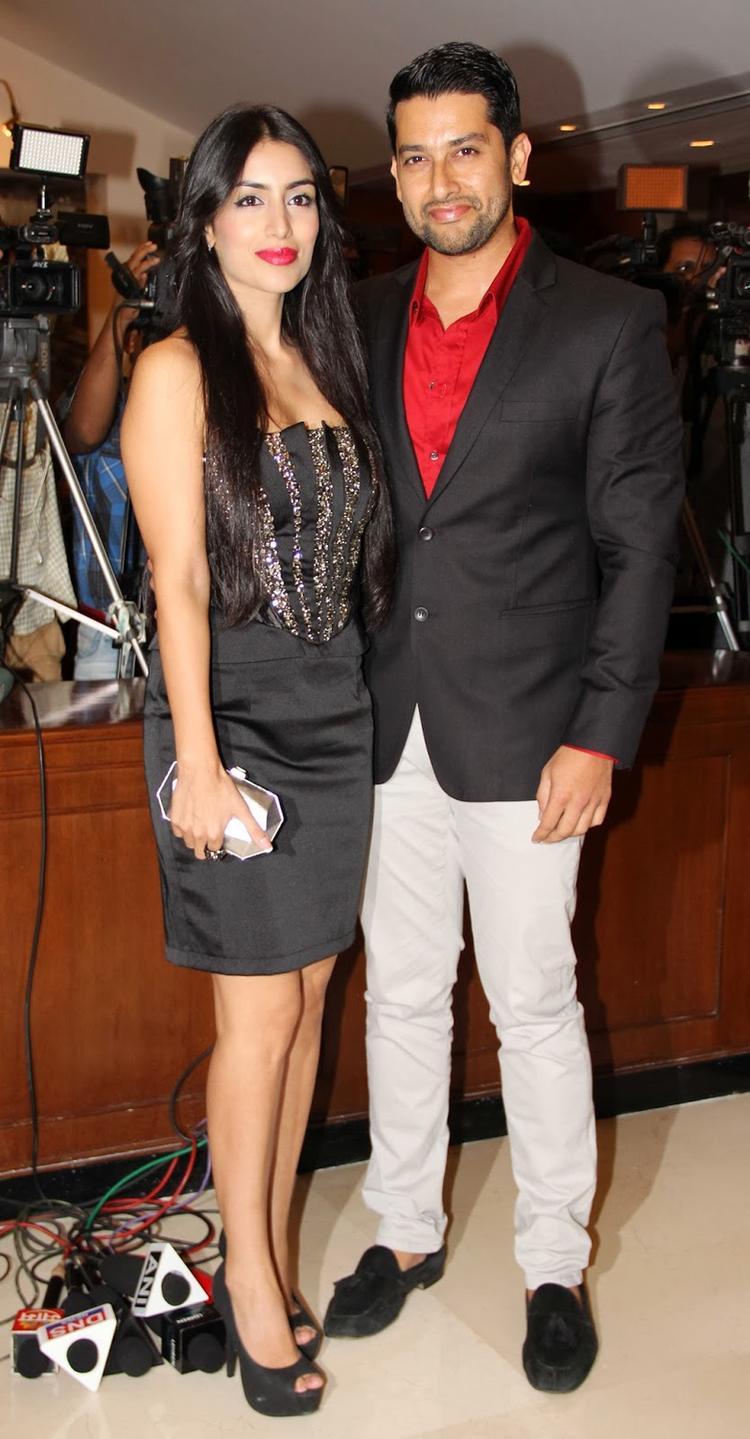 Aftab And Nin Pose During The Success Bash Of Grand Masti Making 100 Crores