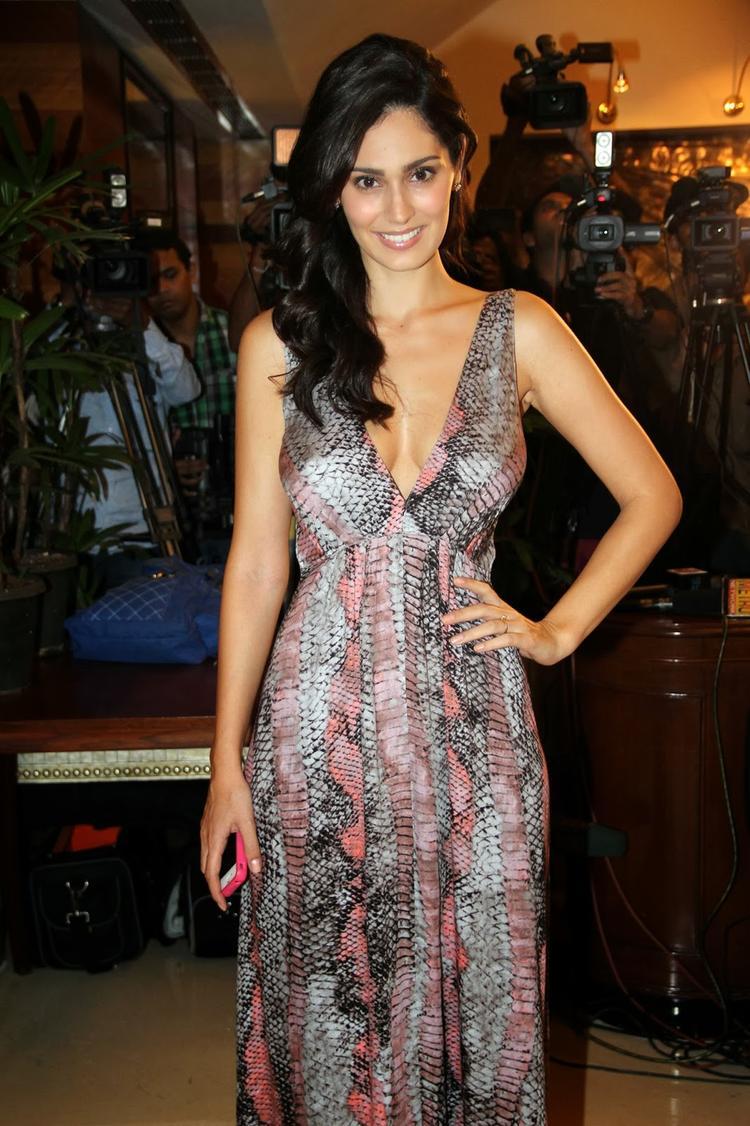 Bruna Abdullah Snapped At Grand Masti 100 Crores Making Bash