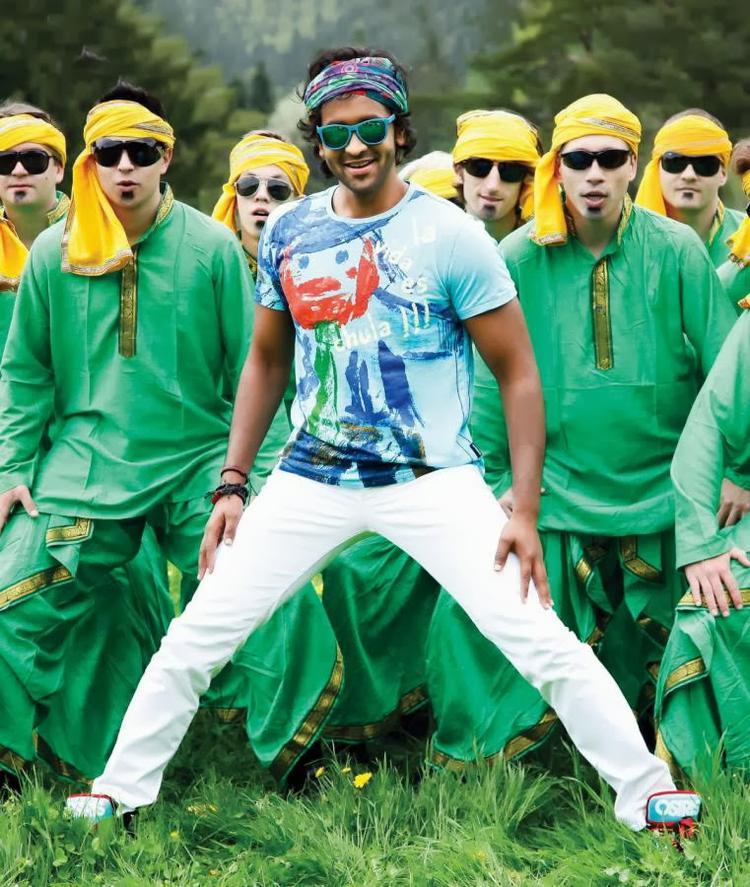 Vishnu Manchu Doosukeltha Song Hot Stylist Photo