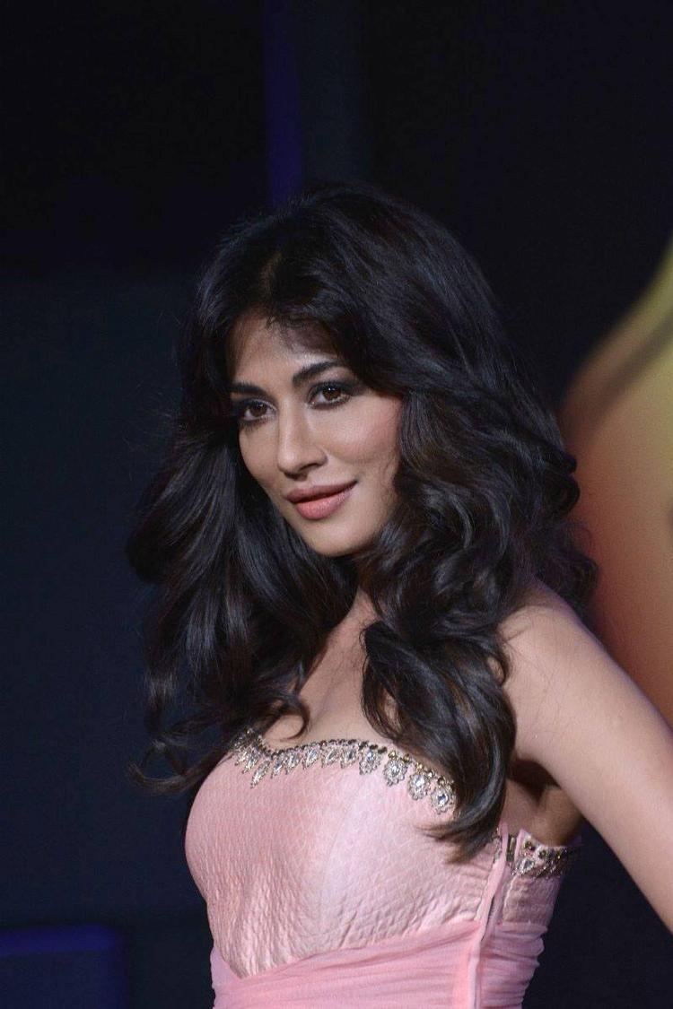 Chitrangda Sizzling Sweet Pic During The Blenders Pride Fashion Tour 2013 Event