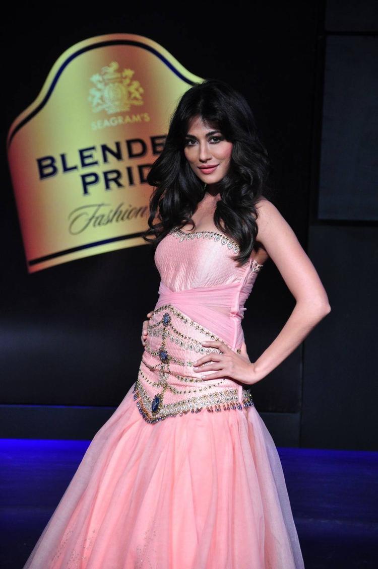 Gorgeous Chitrangada Singh Posing In Loose Hair At Blenders Pride Fashion Tour 2013