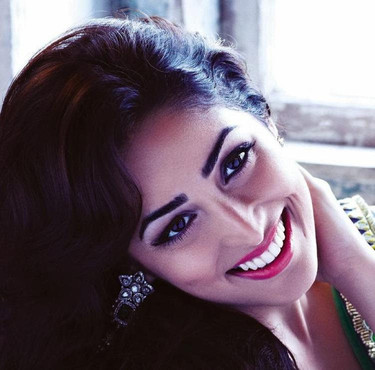 Yami Gautam Gorgeous Look In Red Lippy Shoot For Hello India November 2013 Issue