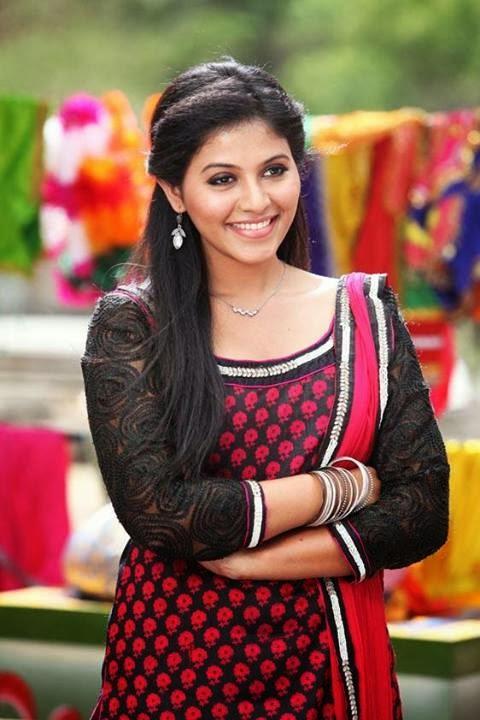 Anjali Sweet Smiling Face Still In Telugu Movie Masala