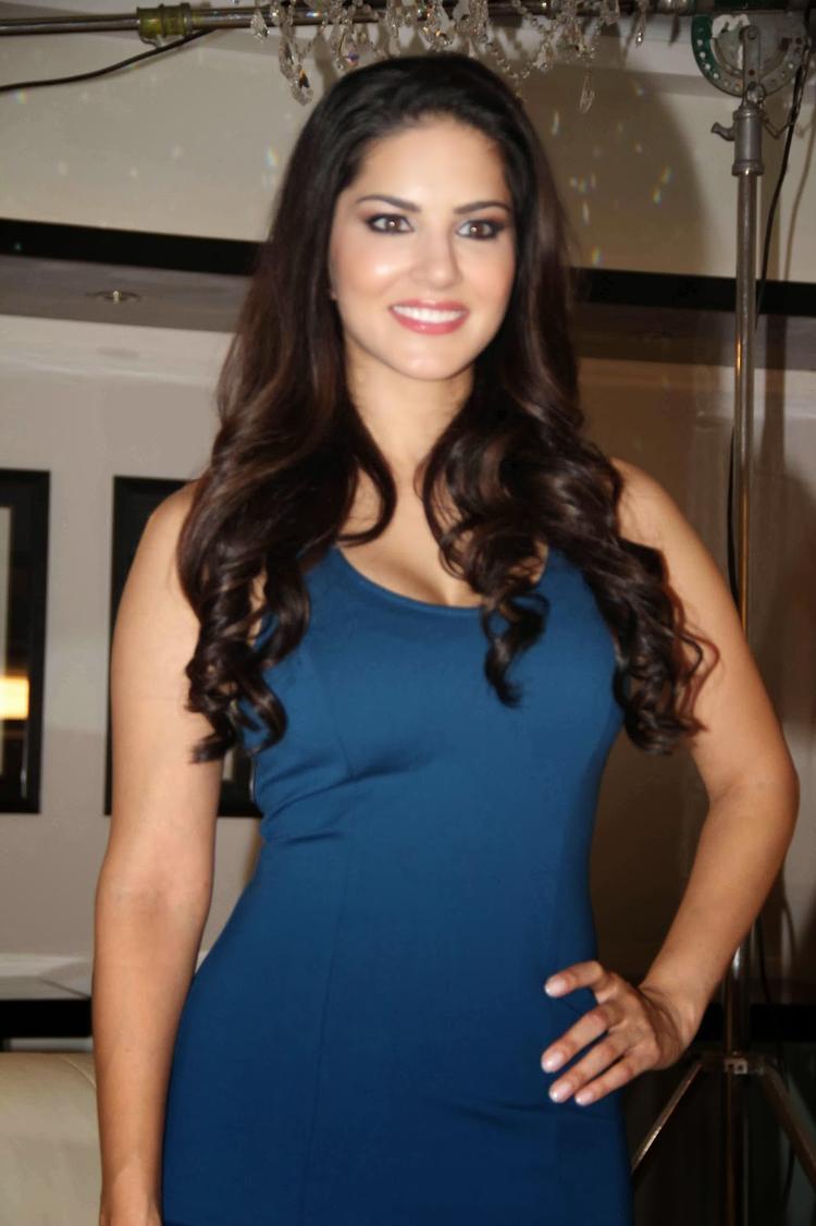 Bollywood Beauty Sunny Leone Shoots For MTV Webbed TV Series