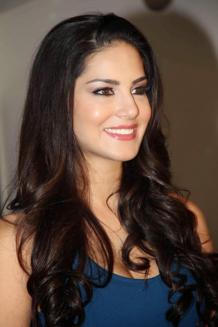 Sunny Leone Stunning Face Look At MTV Webbed TV Series Photo Shoot