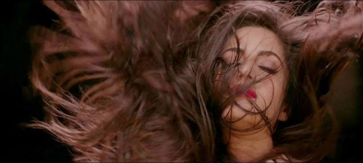 Katrina Kaif Swishing Her Hair In Dhoom Machale Song