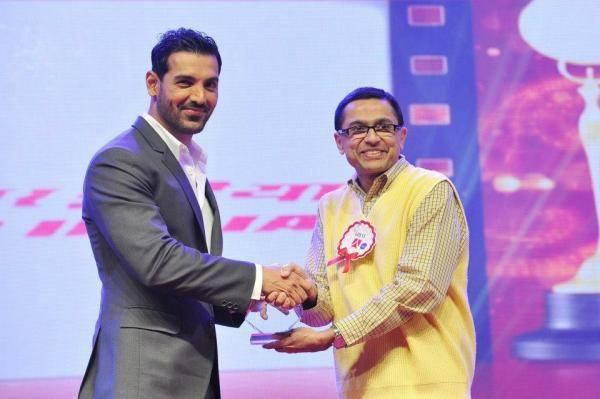 John Abraham Shake Hand Still On The Stage Of Asiavision Awards 2013