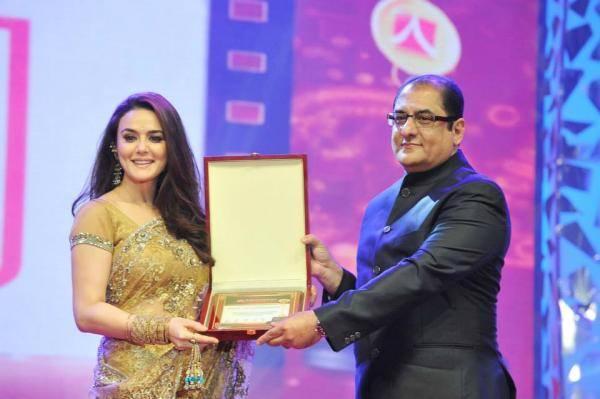 Preity Zinta To Be Awarded At Asiavision Movie Awards 2013