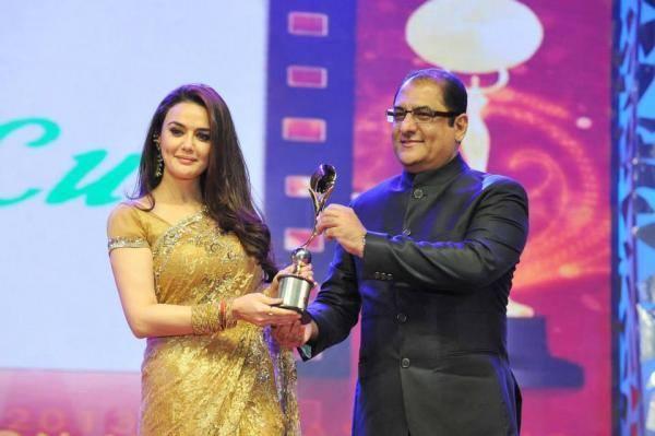Preity Zinta Receives Her Pride Of Bollwood Award At Asiavision Awards 2013 Event