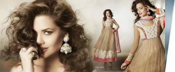 Esha Gupta Romantic Look For New Designer Wear