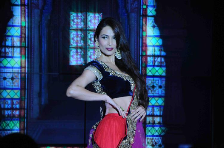 Malaika Sexy Pose For Fashion Designer Vikram Phadnis At BPFT Day 2 Event