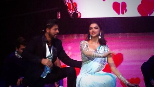 SRK And Deepika Performed At Access All Areas Concert 2013
