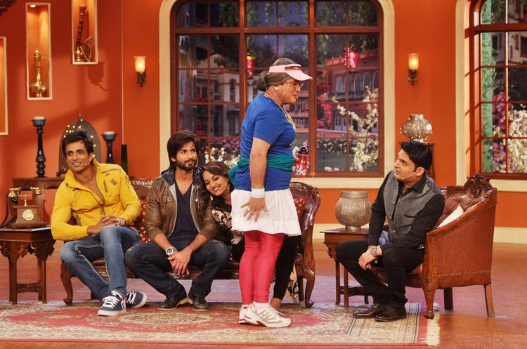 Dadi During R Rajkumar Movie Promotion At Comedy Nights with Kapil Show