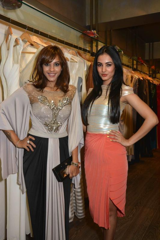 Manasi Scott And Sonal Chauhan Graced At Amit Agarwal Collection Preview Event