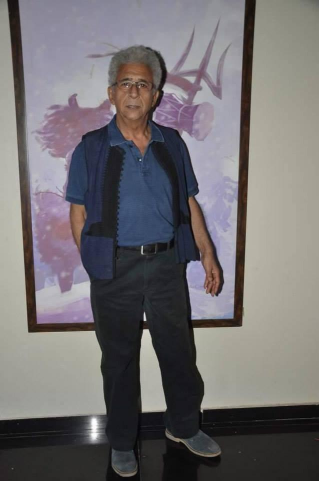 Naseeruddin Shah Strikes A Pose At Mumbai For Promoting Dedh Ishqiya Movie
