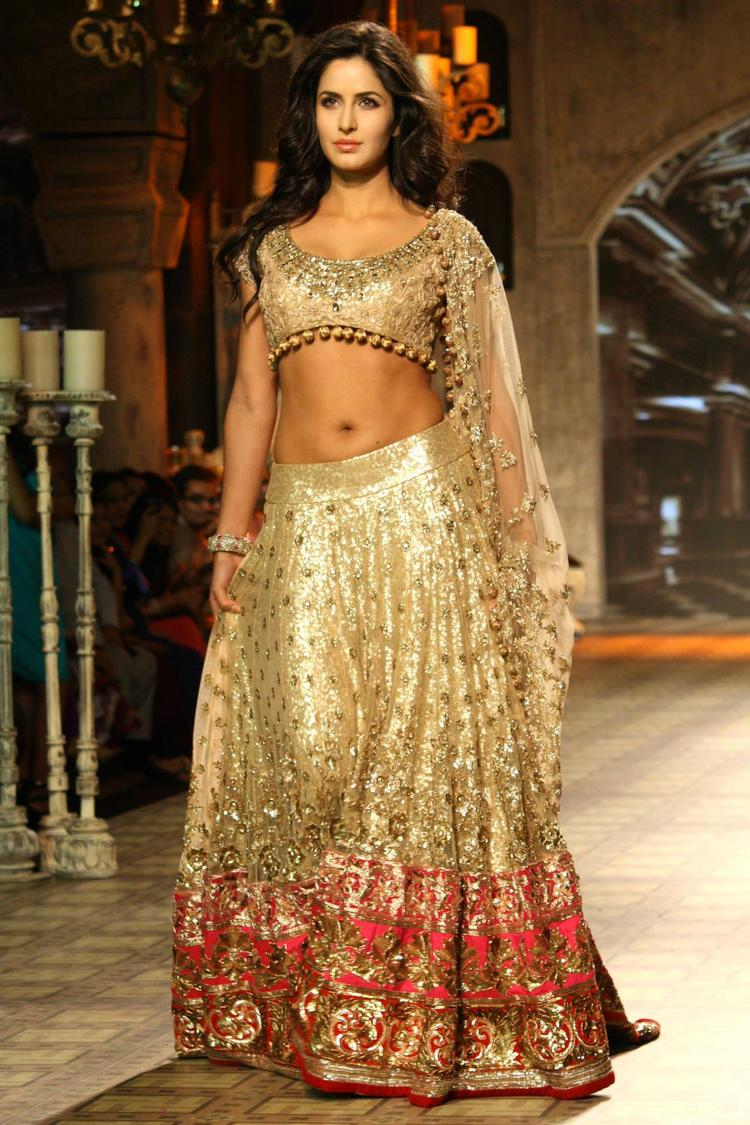 Katrina Kaif Rocks Delhi Couture Week 2012 In Manish Malhotra Bridal Collection