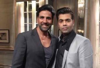 Akshay Kumar Nice Pose With Karan At Koffee With Karan 4 Show