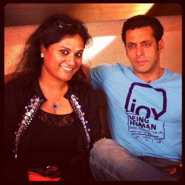Salman Khan Snapped To Perform Jai Ho At Mirchi Top 20 Event 2014