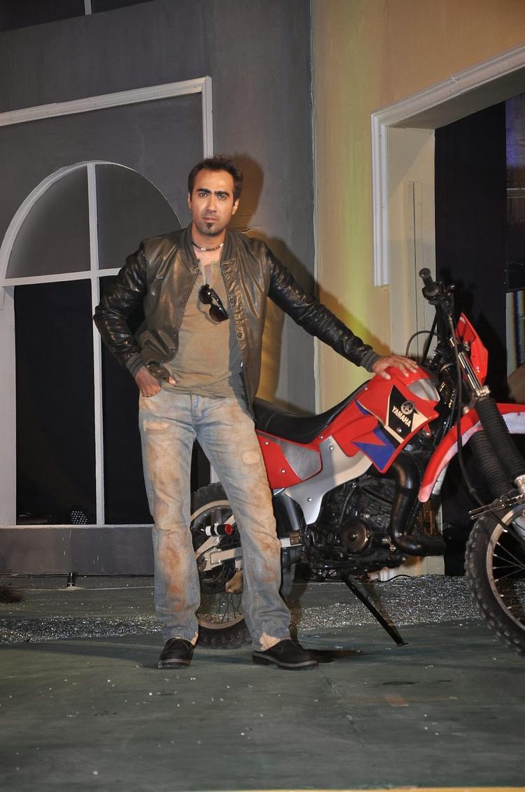 Ranvir Shorey Stylish Look During The Launch Of Fear Factor – Khatron Ke Khiladi Season 5