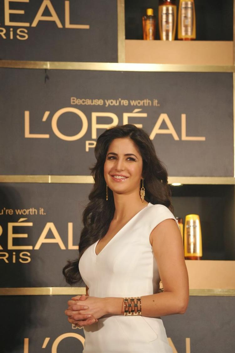 Katrina Kaif Interacts With Media At The Launch Of L'Oréal Paris And Smile Pic