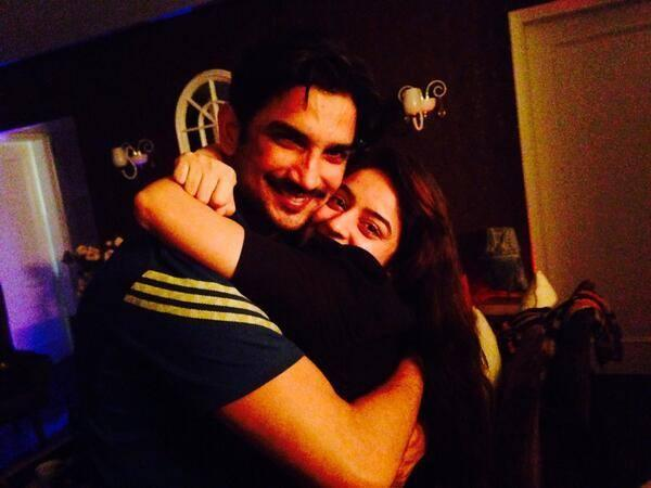 Sweet Love Bird Sushant And Ankita Hug To Each Others At Sushant's Party