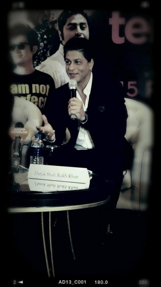 Shahrukh Khan At The Temptation Reloaded Press Conference Held At Ritz Calton Hotel
