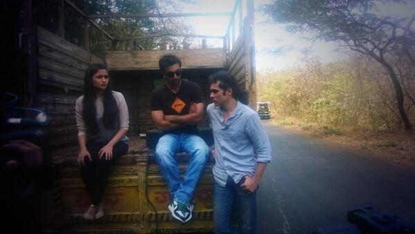 Alia,Ranbir And Imtiaz Posed For Camera On The Shoot Of A Special 'Highway' Episode For Times Now