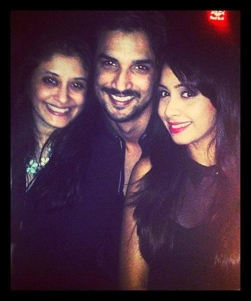 Sushant Cool Pose With Friends During CelebratIng V-Night In Mumbai