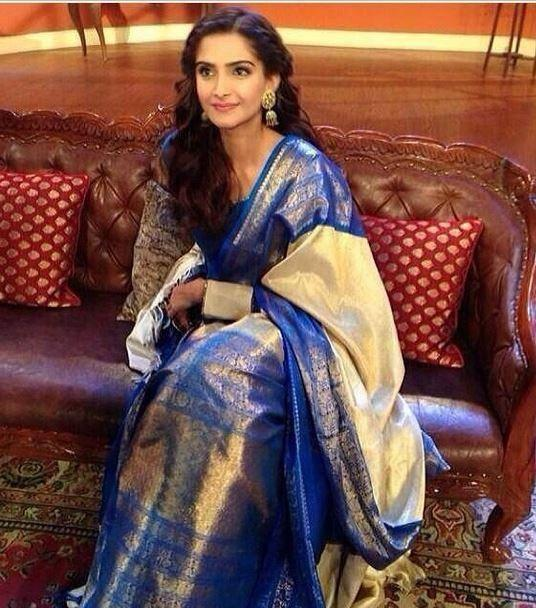Sonam Kapoor On The Sets Of Comedy Nights With Kapil For Bewakoofiyan Promotion
