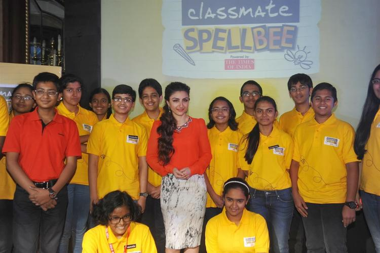 Soha Ali Khan Clicked With Competitors At Classmate Spell Bee Champ 2014 Event