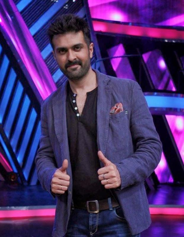 Harman Baweja Nice Pose On The Sets Of Boogie Woogie During The Promotion Of Dishkiyaoon Movie