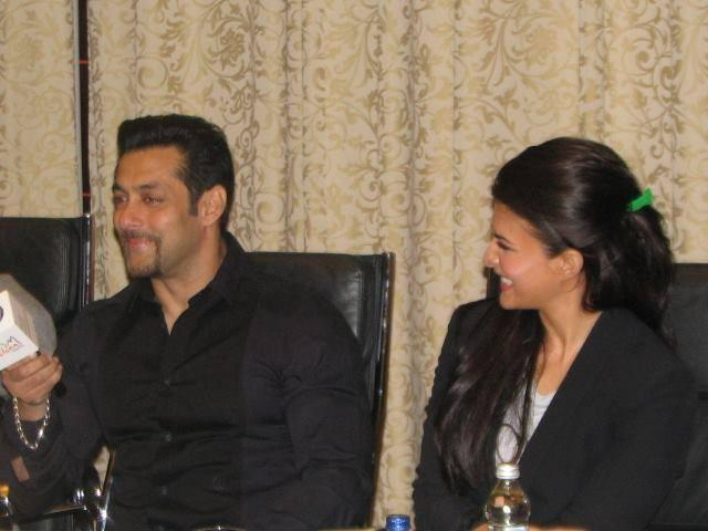 Salman And Jacqueline Smiling Pic During The Press Conference Of kick