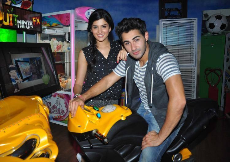 A Day Out With Armaan And Deeksha At Smaash And Promote Their Movie
