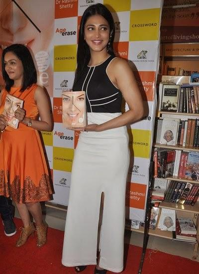 Shruti Haasan Posed With Book At Dr Rashmi Shetty Age Erase Book Launched Event