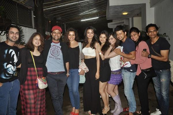 Surveen Chawla Holds Special Screening Of Hate Story 2