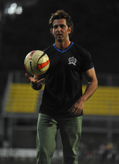 Hrithik Roshan Posed With Football During Ira Khan Organised Charity Football Match 2014