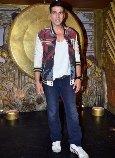 Akshay Kumar Promote Entertainment On Talent Show