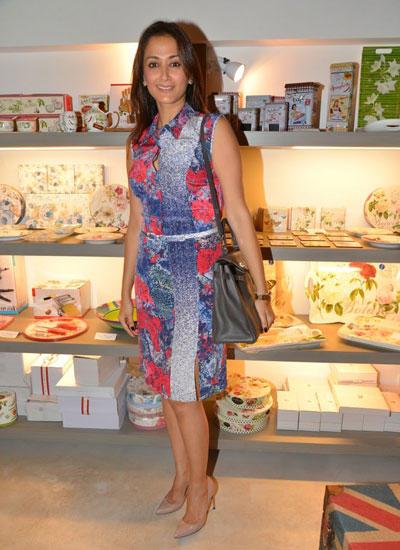 Gayatri Joshi Short Dress Nice Look At Sanvari And Anjori Alagh Houseproud Store Launch